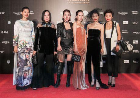Lam Chi Khanh do 'nguc khung' voi dan my nhan Viet - Anh 24
