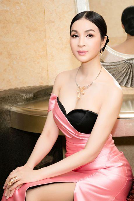 Lam Chi Khanh do 'nguc khung' voi dan my nhan Viet - Anh 26