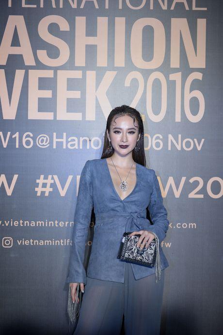Lam Chi Khanh do 'nguc khung' voi dan my nhan Viet - Anh 2