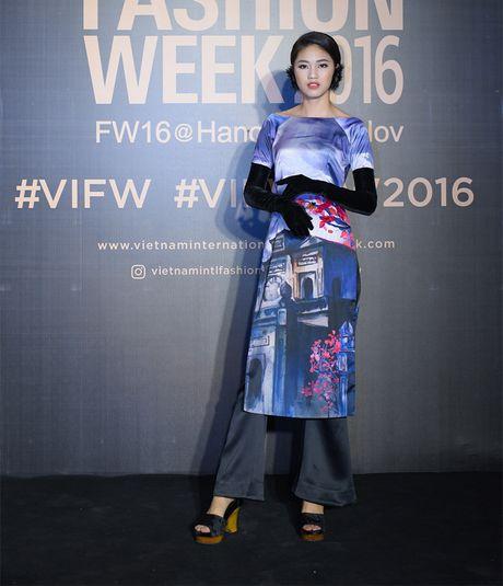 Hang loat hoa hau Viet do sac voi Hoa hau Hoan vu Singapore 2016 - Anh 1