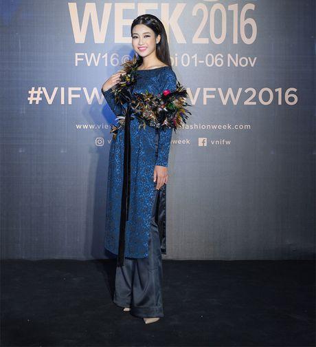 Hang loat hoa hau Viet do sac voi Hoa hau Hoan vu Singapore 2016 - Anh 2