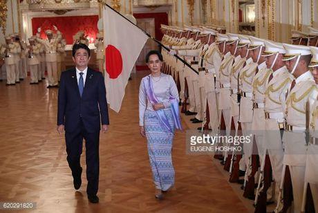 Nhat Ban chi vien quy mo lon cho Myanmar, ba Aung San Suu Kyi thu hoach lon - Anh 2