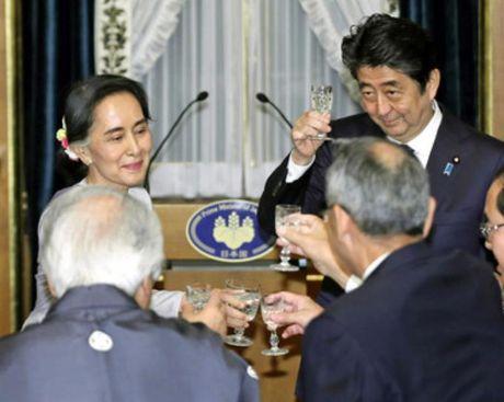 Nhat Ban chi vien quy mo lon cho Myanmar, ba Aung San Suu Kyi thu hoach lon - Anh 3