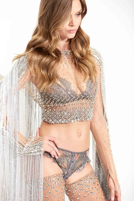 He lo mau noi y dinh 450.000 vien pha le trong show cua Victoria's Secret - Anh 2