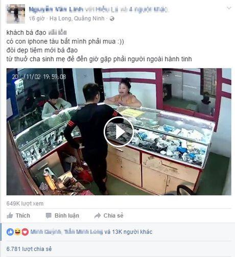 Khach hang 'lay nhat nam' dua iPhone nhai bat cua hang 'phai mua' - Anh 1