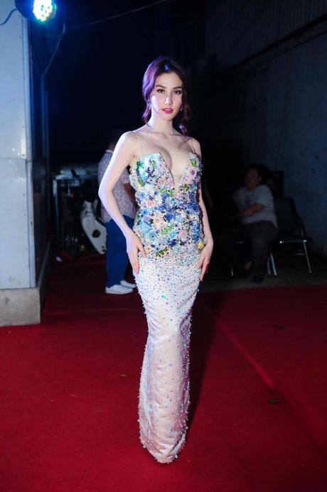 Nhung cap doi sao - stylist cung nhau 'di len' trong showbiz Viet - Anh 13