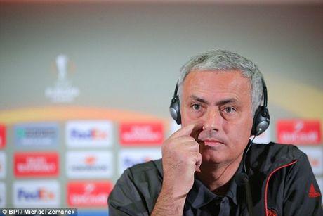 Mourinho goi Schweinsteiger tro lai tap cung doi 1 M.U chi de cho 'du mam' - Anh 2
