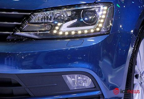Volkswagen Jetta ve Viet Nam canh tranh truc tiep voi Toyota Altis, Honda Civic va Mazda3… - Anh 5