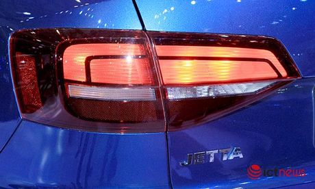 Volkswagen Jetta ve Viet Nam canh tranh truc tiep voi Toyota Altis, Honda Civic va Mazda3… - Anh 6