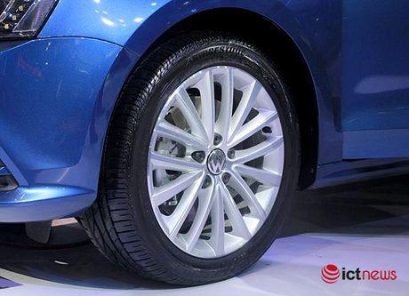Volkswagen Jetta ve Viet Nam canh tranh truc tiep voi Toyota Altis, Honda Civic va Mazda3… - Anh 7