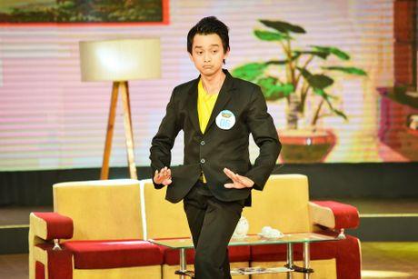 Chang trai phuc vu quan an gay xuc dong o game show hai - Anh 5