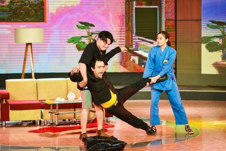 Chang trai phuc vu quan an gay xuc dong o game show hai - Anh 6