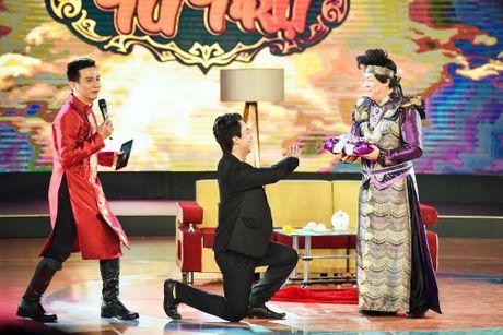 Chang trai phuc vu quan an gay xuc dong o game show hai - Anh 7