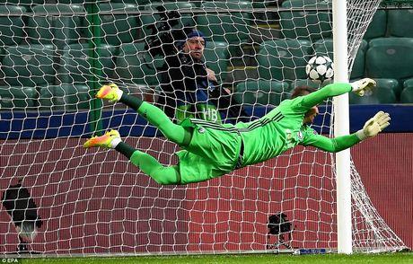 Ronaldo tit ngoi, Real suyt nhan that bai tren dat Ba Lan - Anh 3