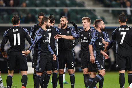 Ronaldo tit ngoi, Real suyt nhan that bai tren dat Ba Lan - Anh 5