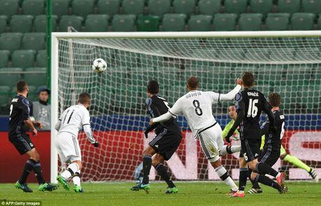 Ronaldo tit ngoi, Real suyt nhan that bai tren dat Ba Lan - Anh 6