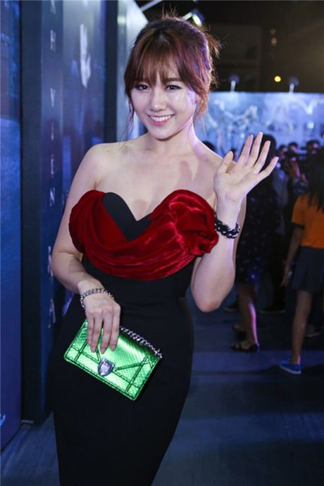 Ly do Hari Won thuong xuyen vao top mac xau - Anh 3