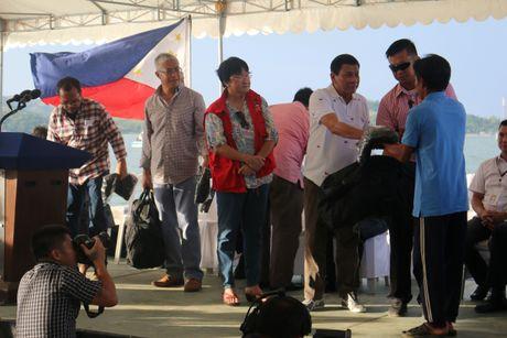 'Philippines san sang che cho ngu dan Viet gap nan' - Anh 3