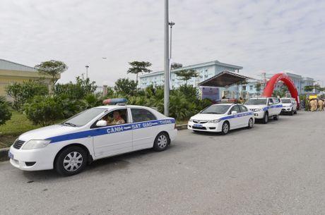 CSGT 'phat nguoi' qua camera tren cao toc Noi Bai-Lao Cai - Anh 1