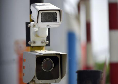 CSGT 'phat nguoi' qua camera tren cao toc Noi Bai-Lao Cai - Anh 3