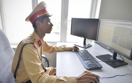 CSGT 'phat nguoi' qua camera tren cao toc Noi Bai-Lao Cai - Anh 5