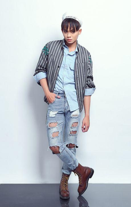 Quan quan Cuoi xuyen Viet phoi quan jeans rach ca tinh - Anh 3