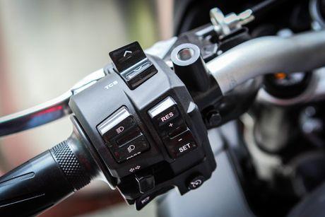 Moto Yamaha 1.000 phan khoi mau doc tai Ha Noi - Anh 12