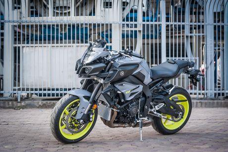 Moto Yamaha 1.000 phan khoi mau doc tai Ha Noi - Anh 3