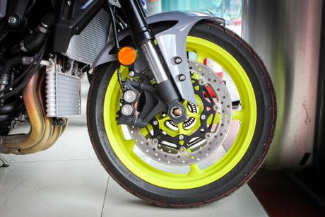 Moto Yamaha 1.000 phan khoi mau doc tai Ha Noi - Anh 6