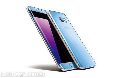 Can canh Galaxy S7 Edge mau xanh coral sap len ke o Viet Nam - Anh 16