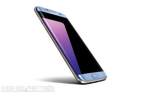 Can canh Galaxy S7 Edge mau xanh coral sap len ke o Viet Nam - Anh 17