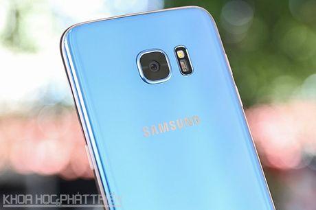 Can canh Galaxy S7 Edge mau xanh coral sap len ke o Viet Nam - Anh 23