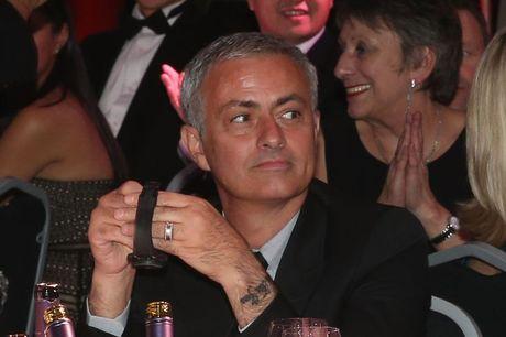 Bat mi ve hinh xam 'doc' cua Mourinho - Anh 1