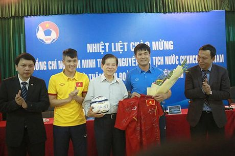 Nguyen Chu tich nuoc Nguyen Minh Triet: 'Bong da Viet Nam phai sach' - Anh 1