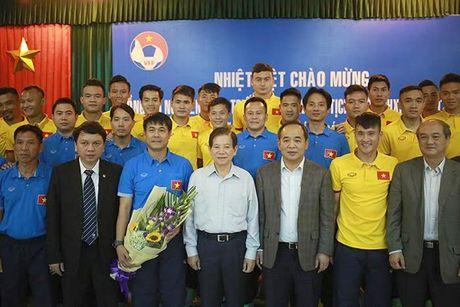 Nguyen Chu tich nuoc Nguyen Minh Triet: 'Bong da Viet Nam phai sach' - Anh 3
