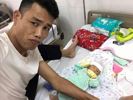 Hiep Ga hanh phuc khoe hinh con trai moi sinh - Anh 1