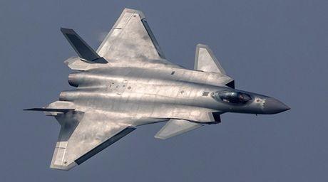Truyen thong Trung Quoc tung ho tiem kich J-20 la sat thu diet F-22 My - Anh 1