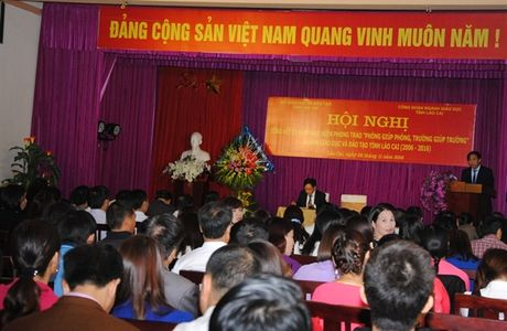 Lao Cai: Tong ket phong trao 'Phong giup phong, truong giup truong' - Anh 1