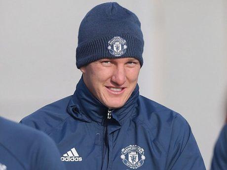 Mourinho tiet lo li do goi Schweinsteiger tro lai doi 1 Man United - Anh 1
