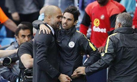 CAP NHAT sang 3/11: Lo danh tinh nguoi cua Man City chui nhau voi Messi. Barca khong ban Suarez cho M.U - Anh 1