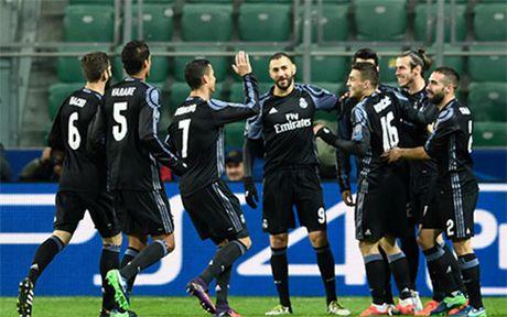 Ronaldo im tieng, Real Madrid hoa that vong truoc Legia Warszawa - Anh 1