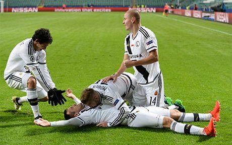 Ronaldo im tieng, Real Madrid hoa that vong truoc Legia Warszawa - Anh 2