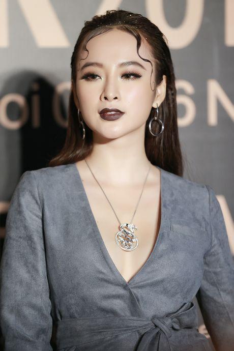 Angela Phuong Trinh gay chu y voi phong cach ma mi tai VIFW 2016 - Anh 3