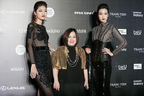 Angela Phuong Trinh gay chu y voi phong cach ma mi tai VIFW 2016 - Anh 6