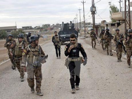 Luc luong Iraq vap phai su phan khang manh me khi tien vao Mosul - Anh 1