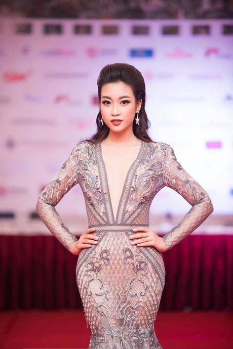 Hoa hau My Linh tang toc tien than: Chon dich ngam nao? - Anh 4