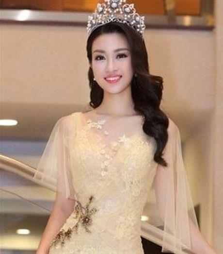 Hoa hau My Linh tang toc tien than: Chon dich ngam nao? - Anh 5