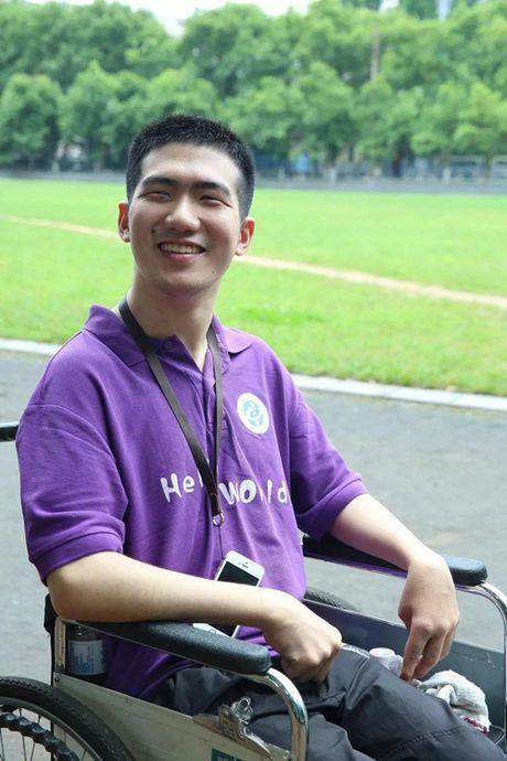 Chang trai TQ bi bai nao van tot nghiep thac sy - Anh 5