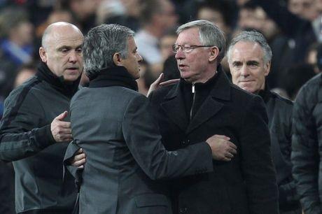 M.U sa thai Mourinho, moi lai Sir Alex - Anh 1