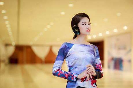 HH Do My Linh dien ao dai 'doc' di xem thoi trang - Anh 11